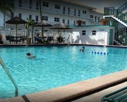 Surfsider Resort and Tennis Club